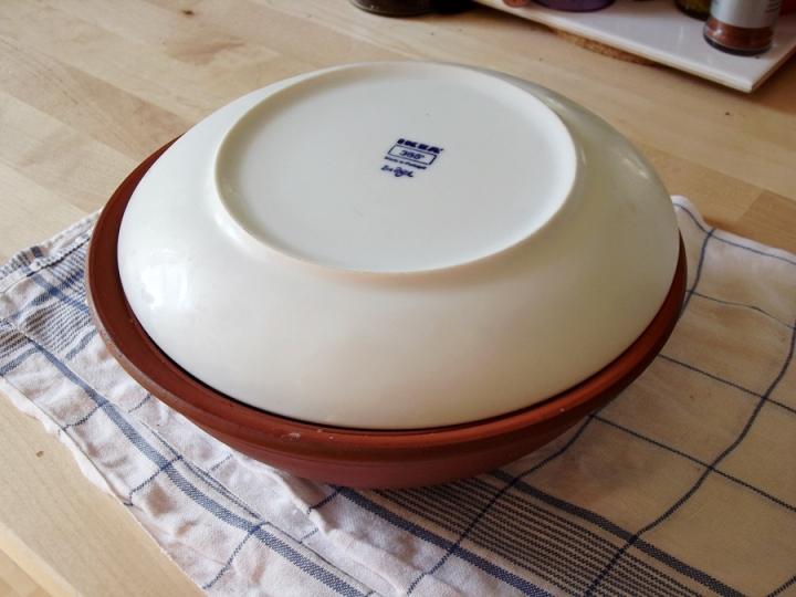 Salo in closed bowl