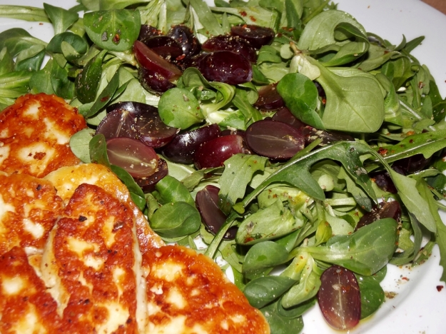 Grape Halloumi Salad